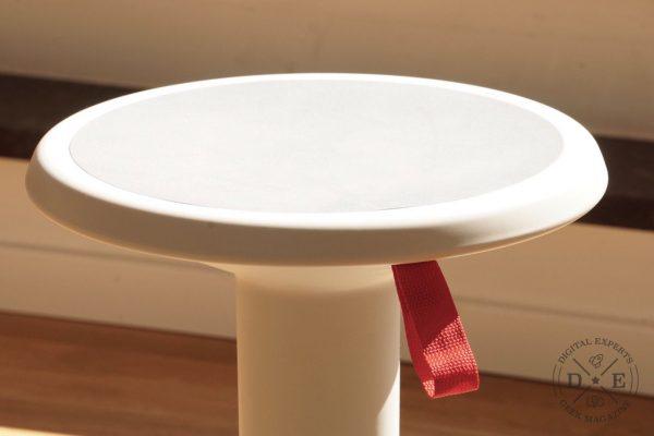 Die Alternative zum Sitzball: mit diesem Interstuhl Hocker macht das Arbeiten Spaß
